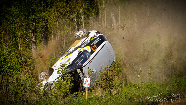 FOTO: Iespaidīgais krievu sportista kūlenis Rally Talsi 2. dienā
