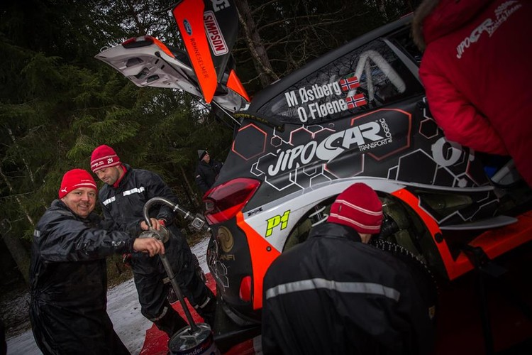 Prokopa un Ostberga komanda testē jauno 'Ford Fiesta WRC'