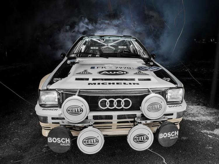 Brāļu Velmes 'Audi Quattro' nakts aizsegā