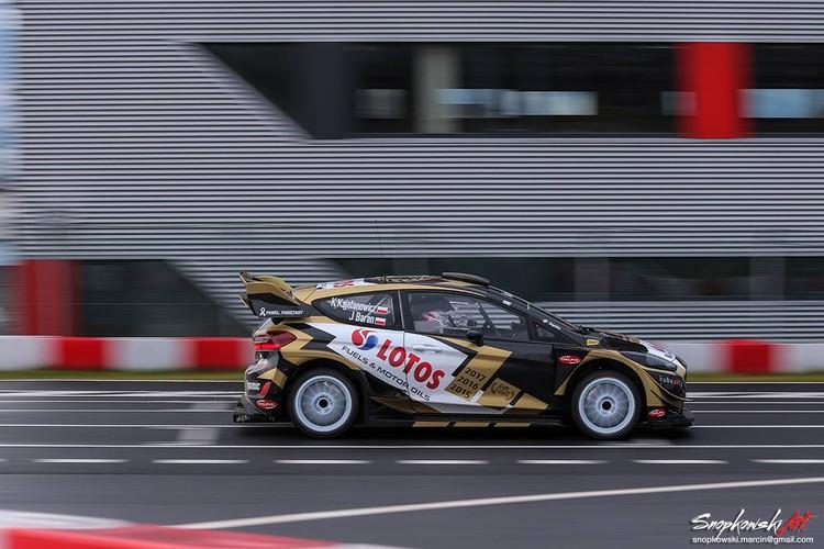 ERČ čempions iemēģina jauno 'Ford Fiesta WRC'