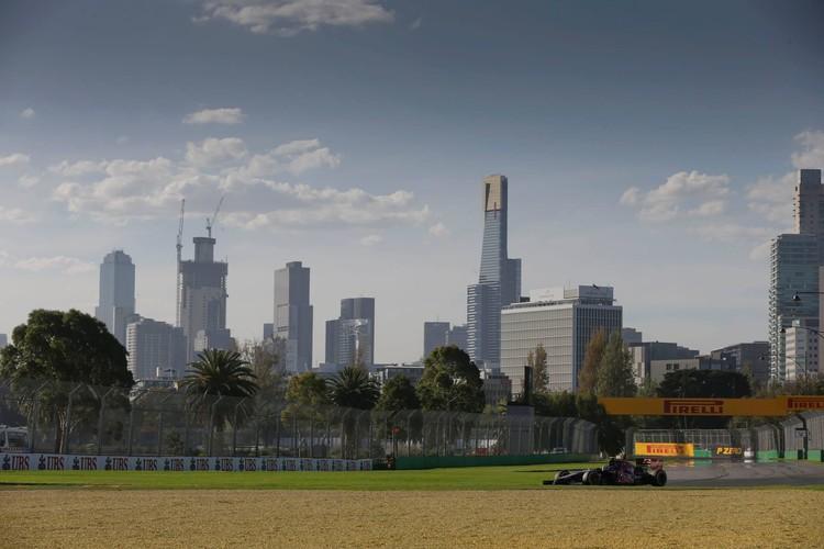 F1 jaunā sezona startē Austrālijā