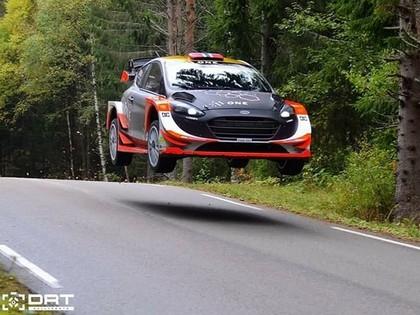 VIDEO: Ostbergs asfalta testos attīsta iespaidīgu ātrumu
