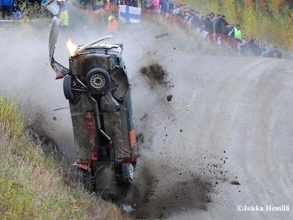 VIDEO: Somijas WRC iespaidīgie ātrumi, tramplīni un avārijas