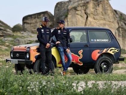FOTO, VIDEO: 'Red Bull' piloti vizinās ar 'Ņivu'
