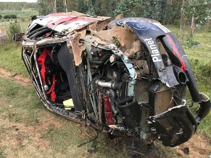VIDEO: Urugvajas rallija ekipāža iznīcina 'Mitsubishi Lancer Evo IX'