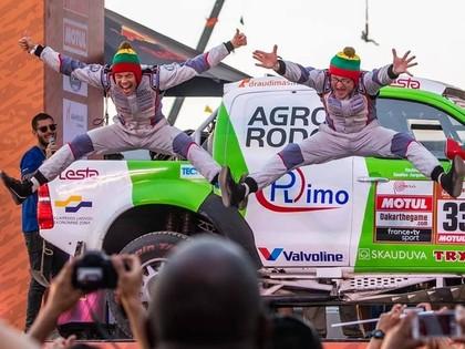 VIDEO: Lietuviešu ekipāžas stūrmanim pirms Dakaras rallija starta jautrs noskaņojums