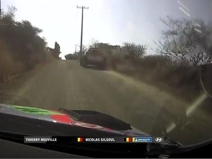 VIDEO: Tanaka stūrmanis Meksikas WRC treniņā finišu sasniedz skrienot