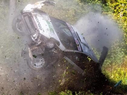 VIDEO: Latviešu komandu ekipāžas piedzīvo avārijas 'Louna Eesti' rallijā