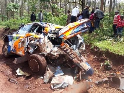 FOTO: Āfrikas rallija čempions iznīcina 'Škoda Fabia R5'