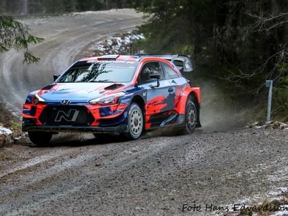VIDEO: 'Hyundai' braucēji gatavojas Zviedrijas WRC rallijam