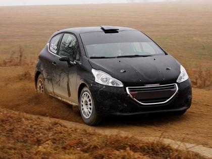 VIDEO: Čehijas čempions pirms Liepājas ERČ testē Peugeot 208 R2, mērķis - uzvara