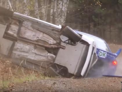 VIDEO: Vācijas rallijā 'Audi' ekipāža ieskrien jau avarējušā mašīnā
