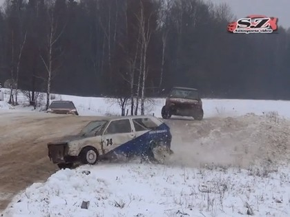 VIDEO: Folkreisa un autokrosa braucēji slidinās Vecpils trasē