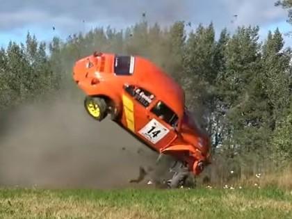 VIDEO: Somijas rallijā vienā līkumā avarē vairākas ekipāžas