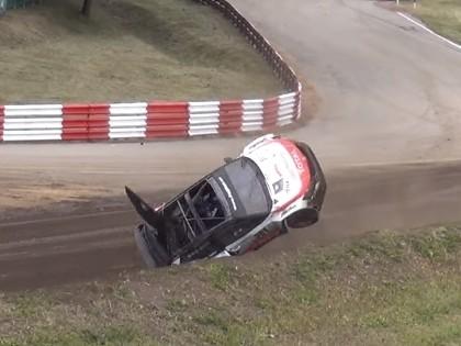 VIDEO: Eiropas autokrosa čempionāta posmā Lietuvā sportists piedzīvo iespaidīgu avāriju