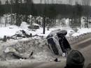 VIDEO: Seska/Caunes ekipāža avarē, taču spēj turpināt Zviedrijas WRC ralliju