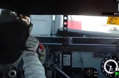 VIDEO: Vasīlijs Grjazins pēc sadursmes ar konkurentu piedzīvo avāriju