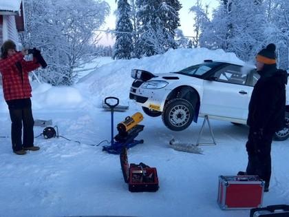 VIDEO: Rovanpera pirms Alūksnes rallijsprinta testē 'Škoda Fabia S2000'