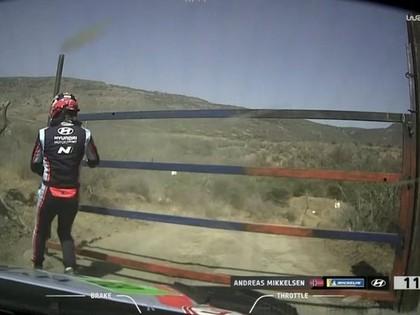 Mikelsenu Meksikas WRC ātrumposmā pārsteidz aizvērušies vārti