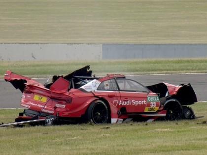 VIDEO: Sportists DTM sacensībās piedzīvo šaušalīgu avāriju