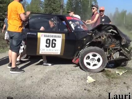 VIDEO: Somu ekipāžai iespaidīga avārija