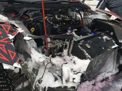 VIDEO: Grjazins, izvairoties no uz ceļa uzskrējušiem aļņiem, testos piedzīvo avāriju