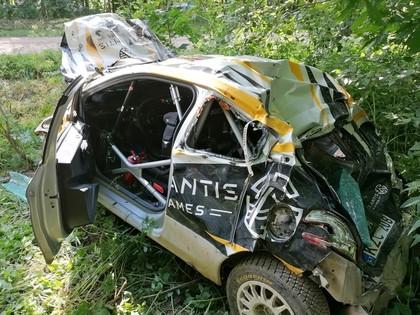 VIDEO: Lietuvieši piedzīvo smagu avāriju