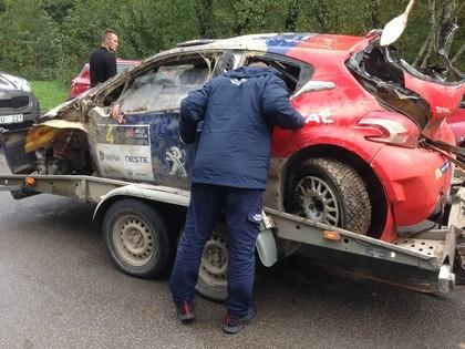 VIDEO, FOTO: Spāņu ekipāža 'Rally Liepāja' piedzīvo iespaidīgu avāriju