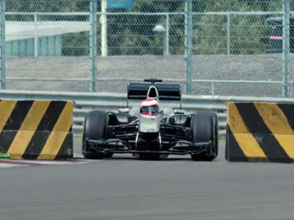 VIDEO: F1 zvaigzne demonstrē vienreizēju precizitāti