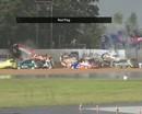 VIDEO: Kaut kas neredzēts - 11 automašīnas lietus dēļ avarē vienā līkumā