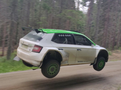 VIDEO: Rovanperam Somijas WRC testos padodas iespaidīgs lidojums