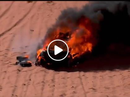 VIDEO: Krievu sportists noskatās, kā sadeg viņa automašīna