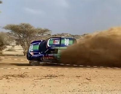 VIDEO: Žala par mata tiesu izvairās no avārijas Dakaras rallija prologā