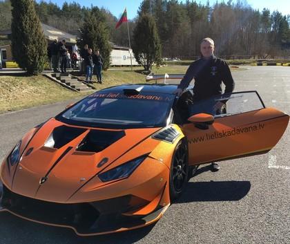 Autošosejas sezonas atklāšanā Biķernieku trasē uz starta gaidāmi trīs Lamborghini