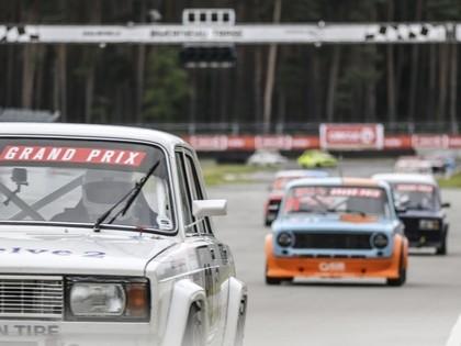 Volgas un žiguļi atkal sacentīsies Latvijas Nascar sacīkstēs Biķernieku ovālā