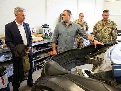 Latvijas rallija auto būvētāji varētu ražot transportlīdzekļus armijas vajadzībām