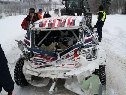 Tanakam pārliecinoša uzvara Igaunijā, Grjazinam smaga avārija (FOTO)