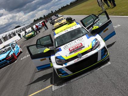Baltijas autošosejas čempionāta dalībnieki čempionu kausus sadalīs Igaunijā