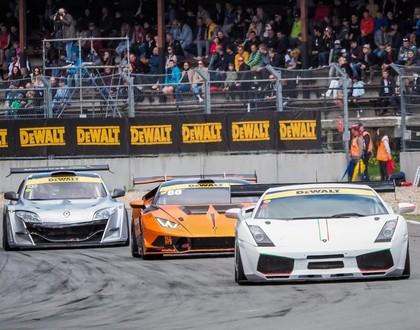 Jau astoto gadu Biķerniekos norisināsies autošosejas festivāls 'Riga Summer Race'