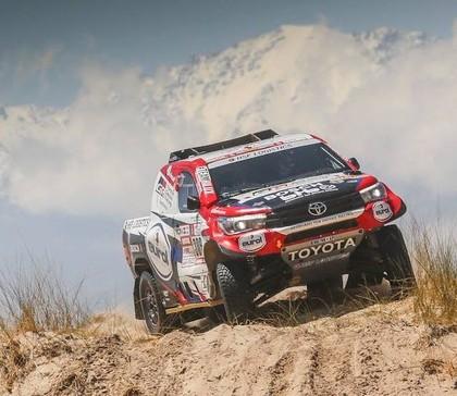 Sainss Dakaras rallijā palielina pārsvaru, Kamaz braucējs Nikolajevs zaudē vadību