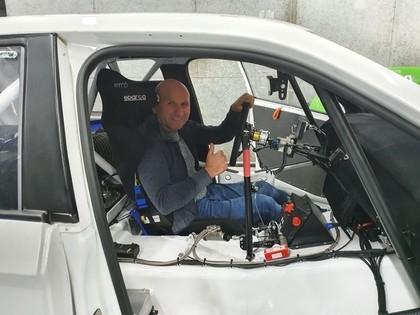 Edijs Ošs iegādājas jaunu 580 Zs jaudīgu 'Škoda Fabia RX' automašīnu (FOTO)