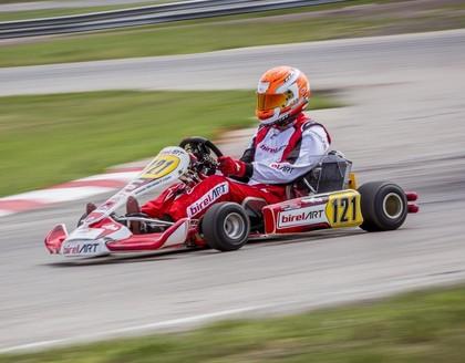 Valteram Zviedrim uzvara Latvijas kartinga čempionāta trešajā posmā Madonā