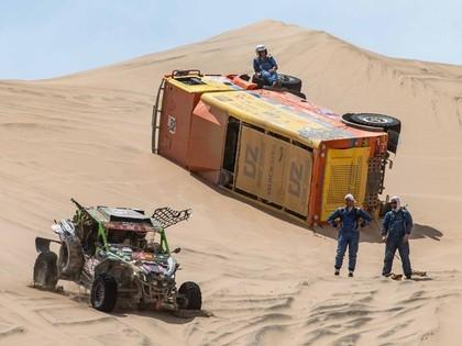 Lēbam vēl viena uzvara, vairāki līderi Dakaras rallija 8.posmā iesprūst kāpās