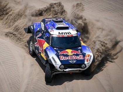 Lēbam neveiksme, Dakaras rallija 7.posmā uzvar Peteransels
