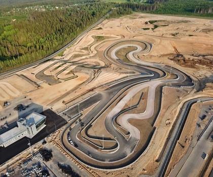 Krievijā būvē iespaidīgu autosporta kompleksu, kurā būs arī rallijkrosa trase