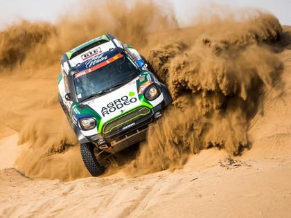 Lietuvietis Žala pārsteidz un izcīna sensacionālu uzvaru Dakaras rallija 1.posmā