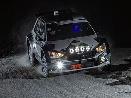 Bijušais DTM un rallijkrosa čempions Ekstroms izcīna otro vietu Zviedrijas rallijā