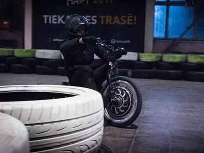 Latvijā notiks pasaulē pirmās elektriskās drifta sacensības ar Latvijā ražotajiem tricikliem