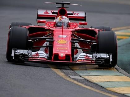 Jauno F1 ēru ar uzvaru Austrālijā sāk Fetels