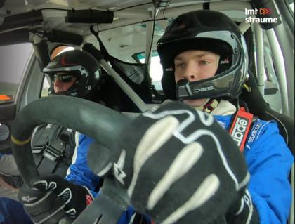 Vai e-autosportisti ir spējīgi savaldīt īstu rallija auto? (VIDEO)